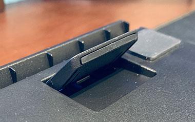 キーボードの角度を3段階で調整できる