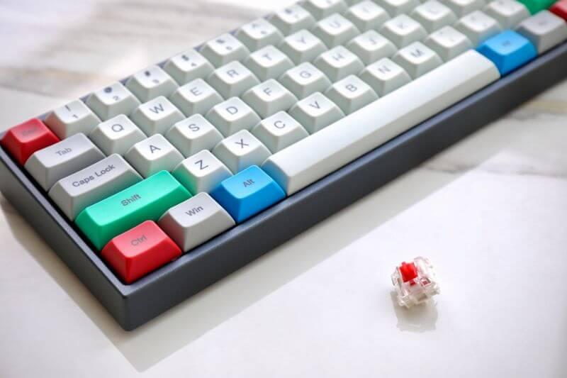 赤軸メカニカルキーボードのメリット・デメリット